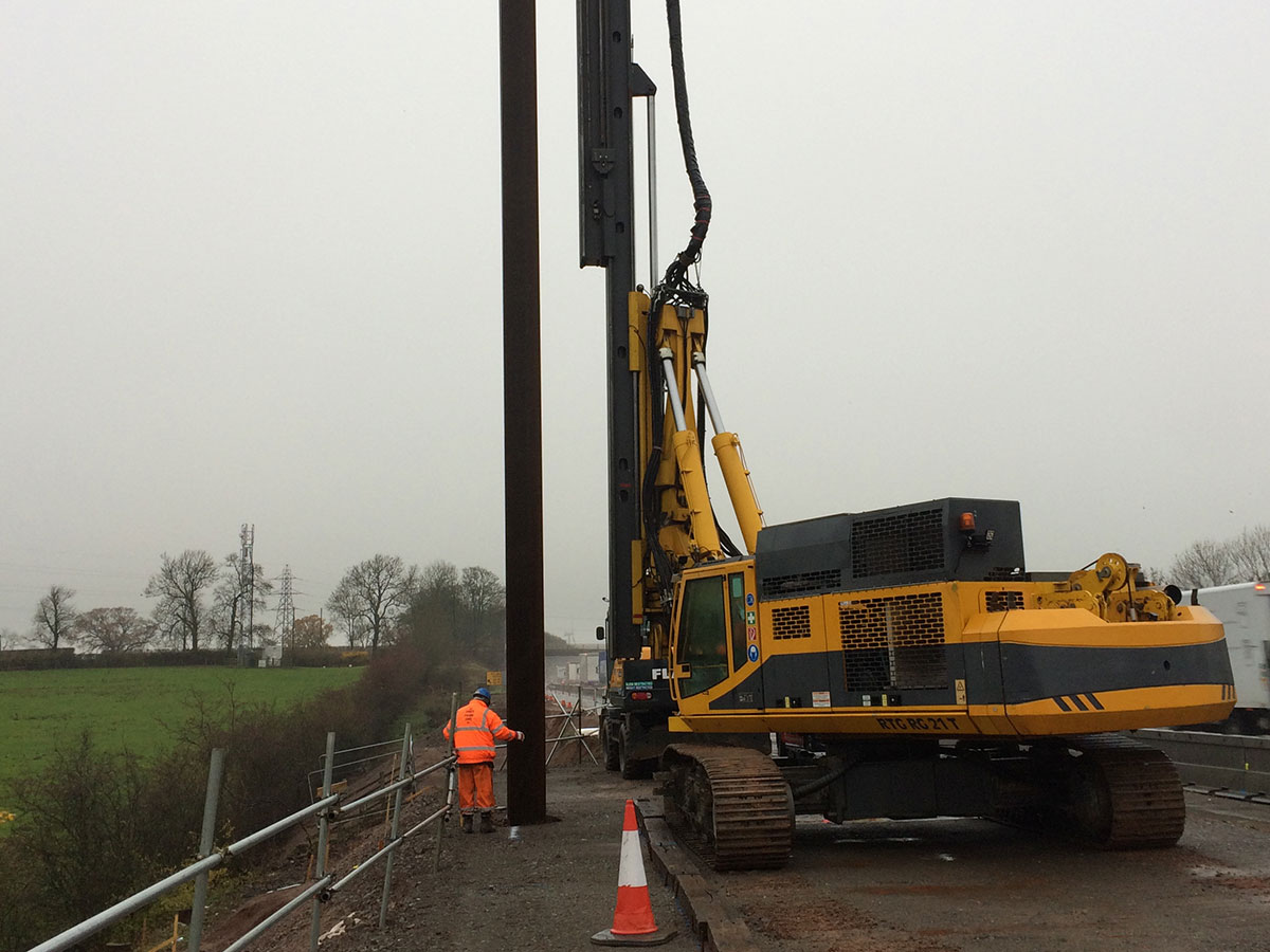 M1 Junction 16 19 Smart Motorway Sheet Piling Uk Ltd