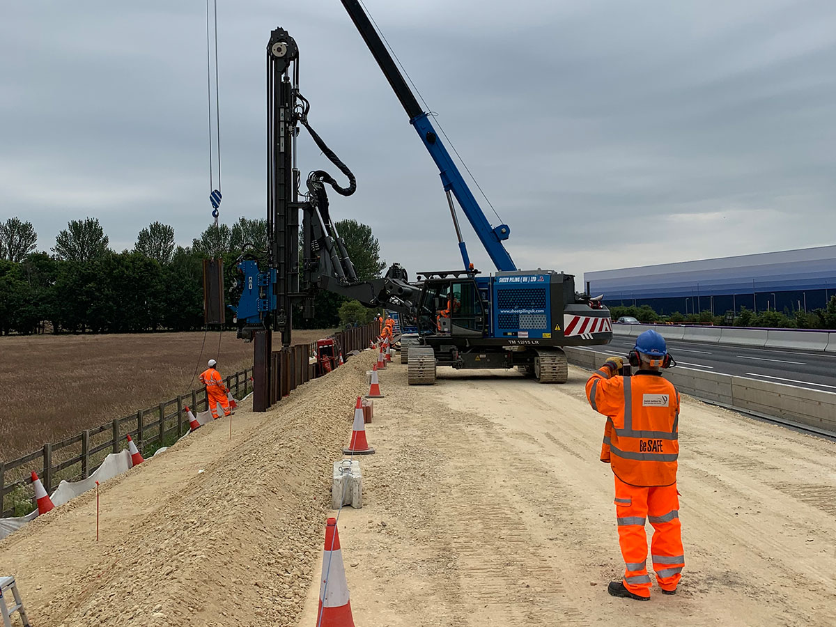 M1 Project Suggests Another Sheet Piling Rig Benefit | Sheet