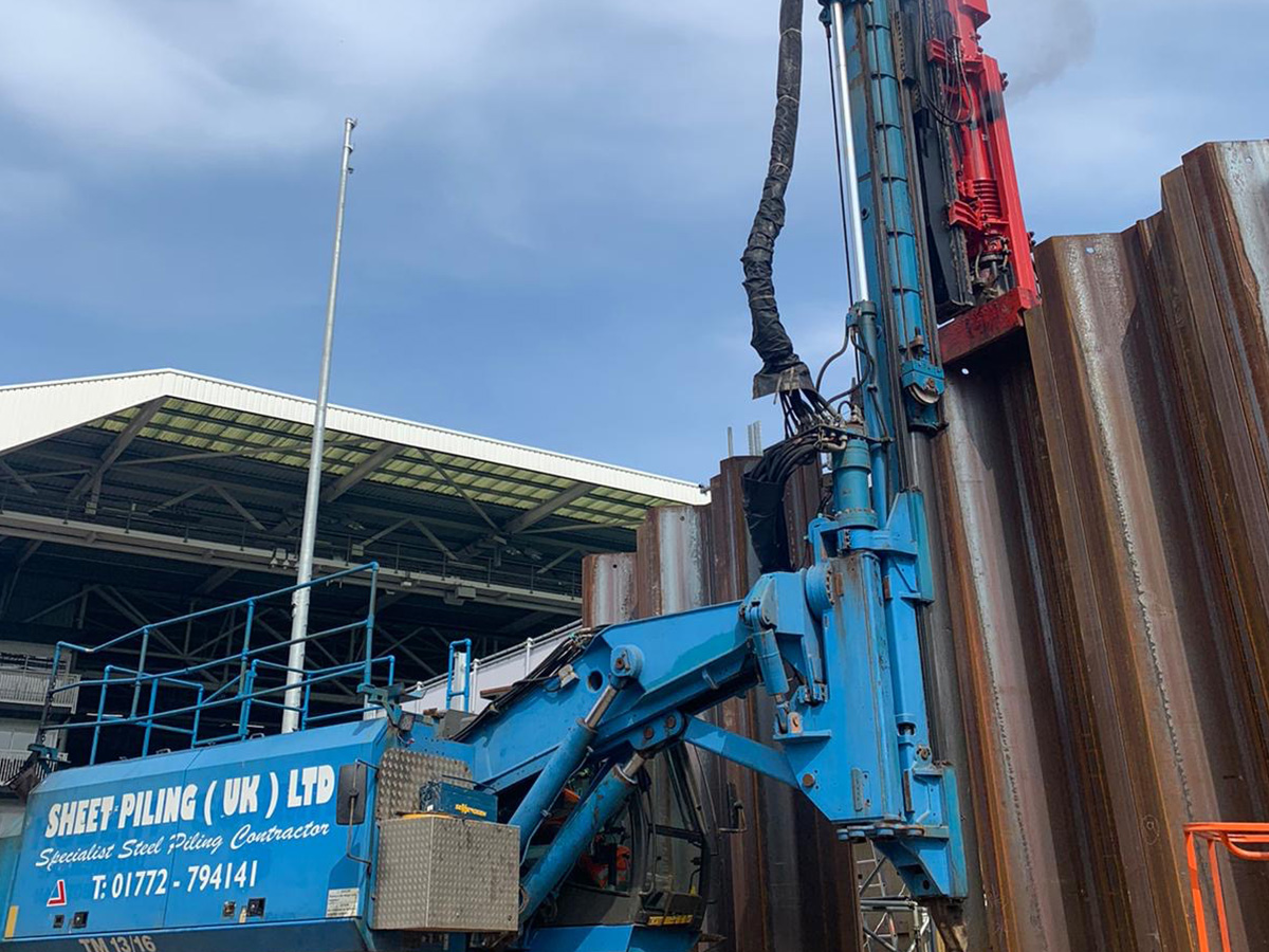 Delmag Diesel Impact Hammer at Sheet Piling at Craven Cottage, Fulham FC
